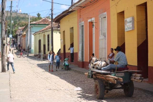 ruelles_Trinidad_sweetmellowchill_cuba_voyage_trip_color